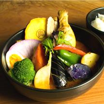 「スープカリー奥芝商店」村上料理長に習うスープカレー