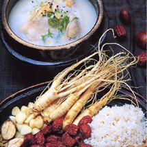 参鶏湯(サムゲタン)を食べて夏を乗り切ろう!
