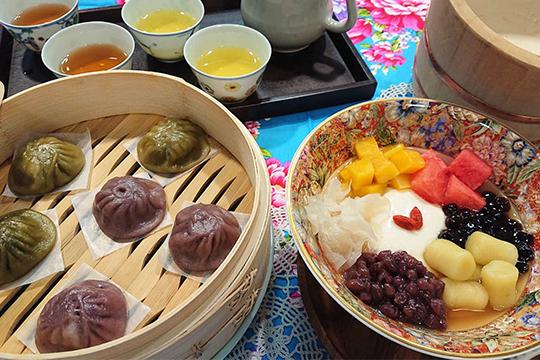 本場、台湾豆花と小籠包