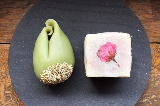 ユイミコのかわいい桜きんつばと早蕨(さわらび)